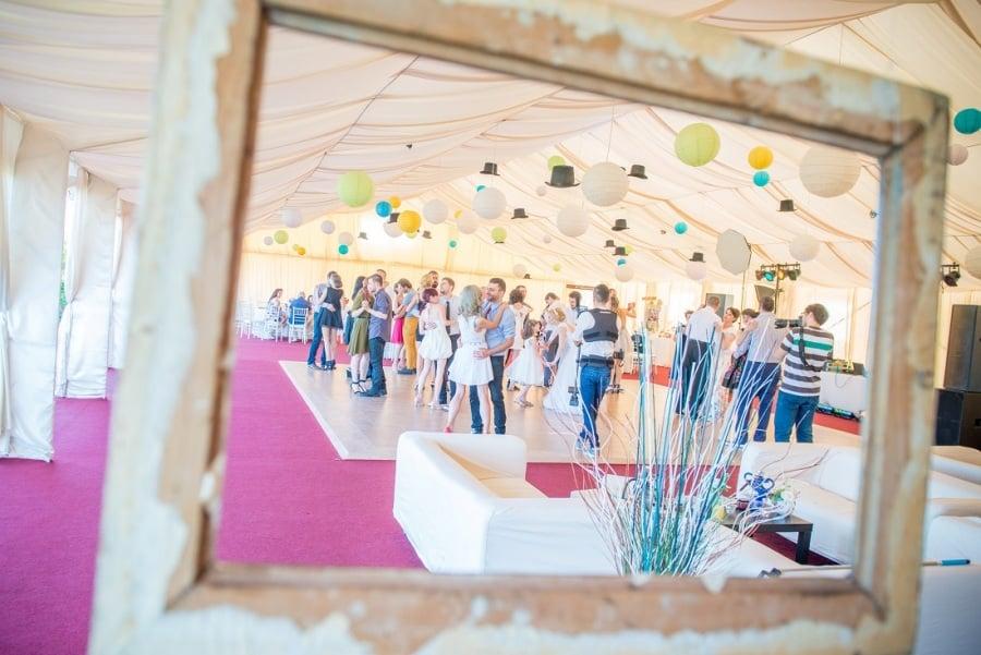 Dans Cort nunta in aer liber I Do Weddings decoratiuni (13)