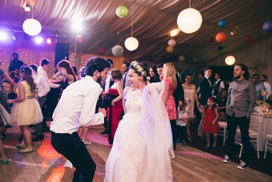 Dansul mirilor Nunta cu 900 de fluturi Miruna si Horatiu