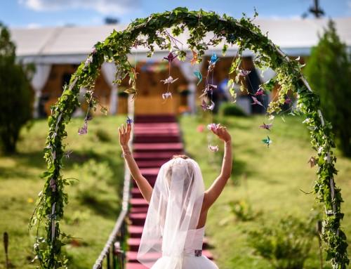 """Cum alegi locatia de nunta – povestea mireselor I Do Weddings despre cum au zis """"DA"""" locatiei perfecte"""