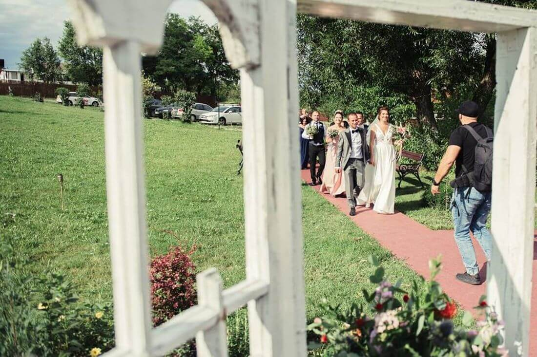 Nunta cu prietenii – Oana si Cosmin - IDO-Weddings-nuntiinaerliber (1)