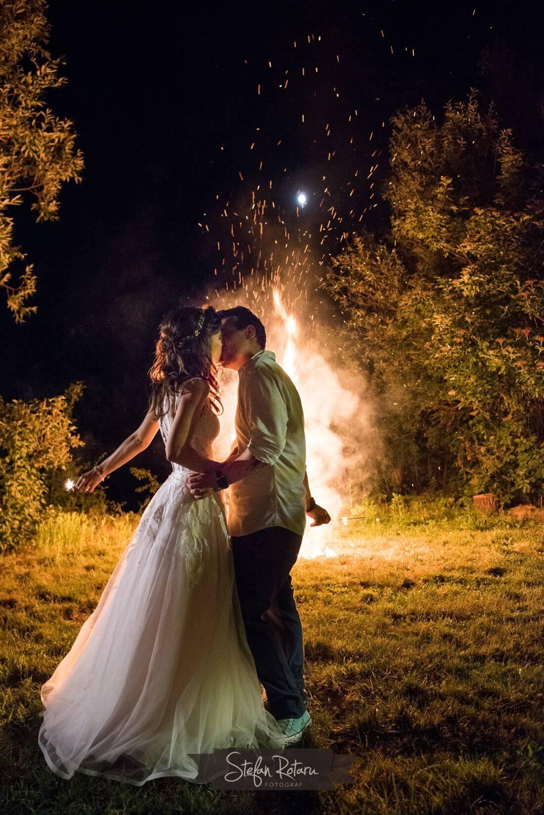 Petrecere ca-n Vama Veche - Alina si Cristi-IDO-Weddings-nuntiinaerliber (16)