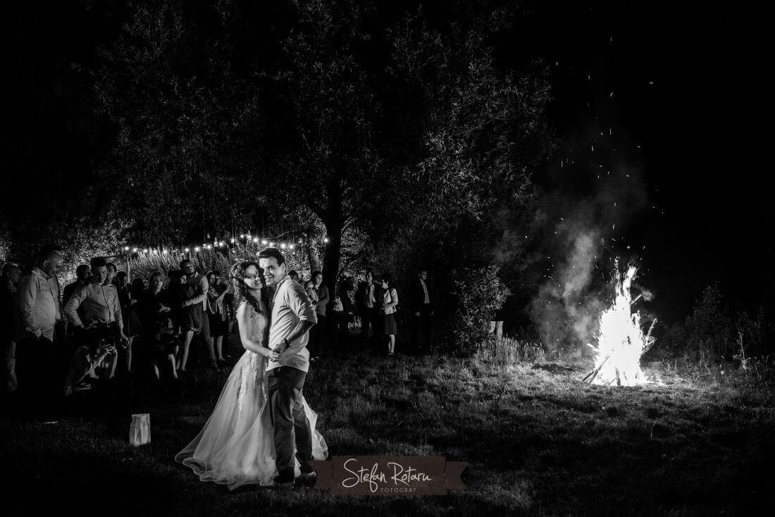 Petrecere ca-n Vama Veche - Alina si Cristi-IDO-Weddings-nuntiinaerliber (17)