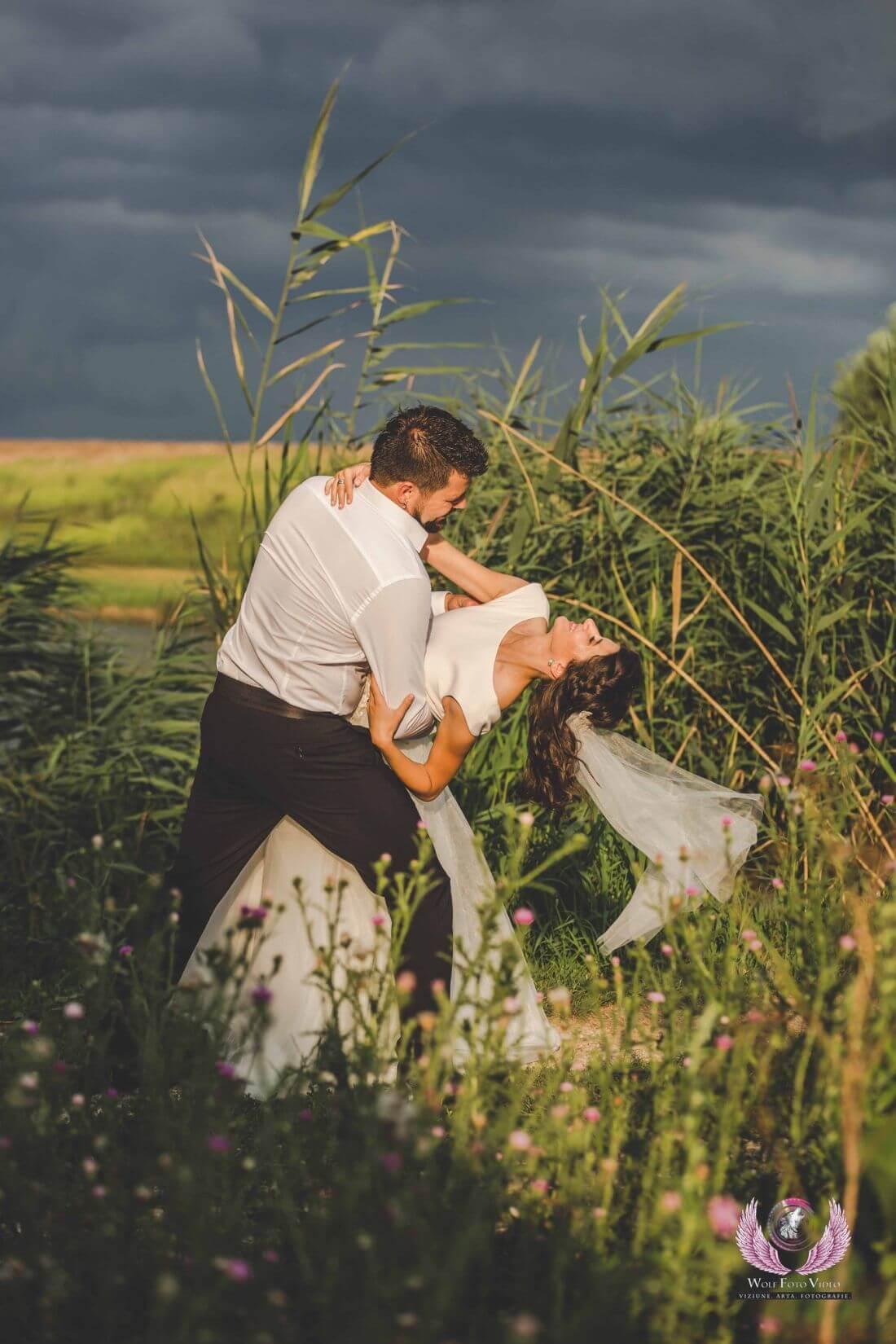 Nunta cu floarea soarelui – Cristina si Dan-IDO-Weddings-nuntiinaerliber (15)