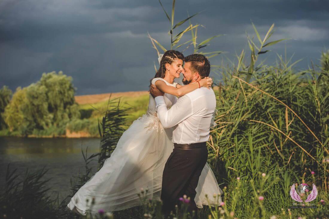 Nunta cu floarea soarelui – Cristina si Dan-IDO-Weddings-nuntiinaerliber (7)