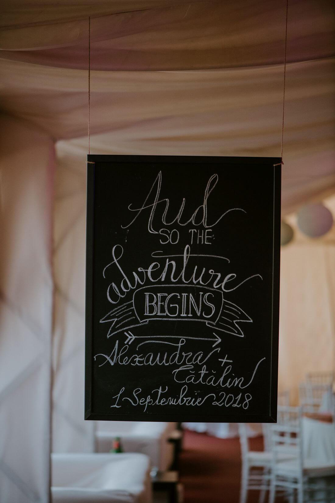 Nunta cu multe calatorii si farfurii – Alexandra si Catalin – IDO-Weddings-nuntiinaerliber (14)
