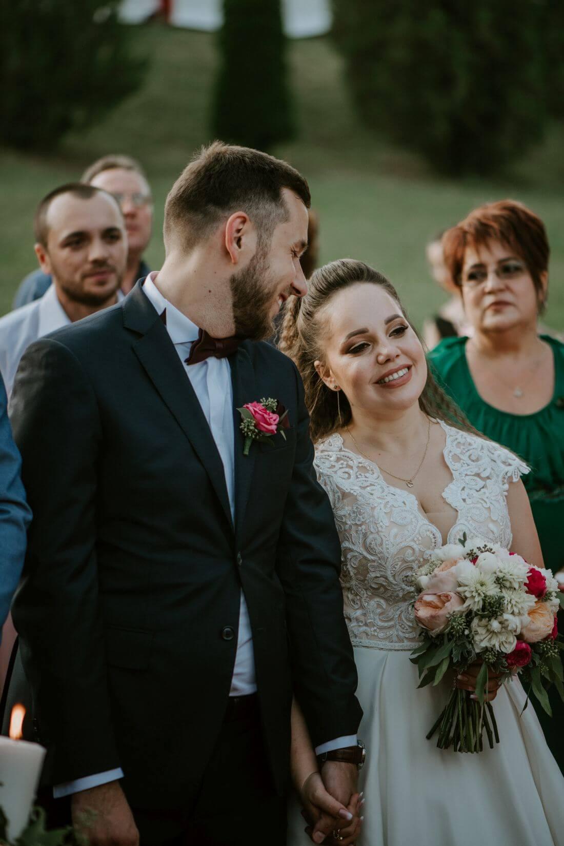 Nunta cu multe calatorii si farfurii – Alexandra si Catalin – IDO-Weddings-nuntiinaerliber (16)