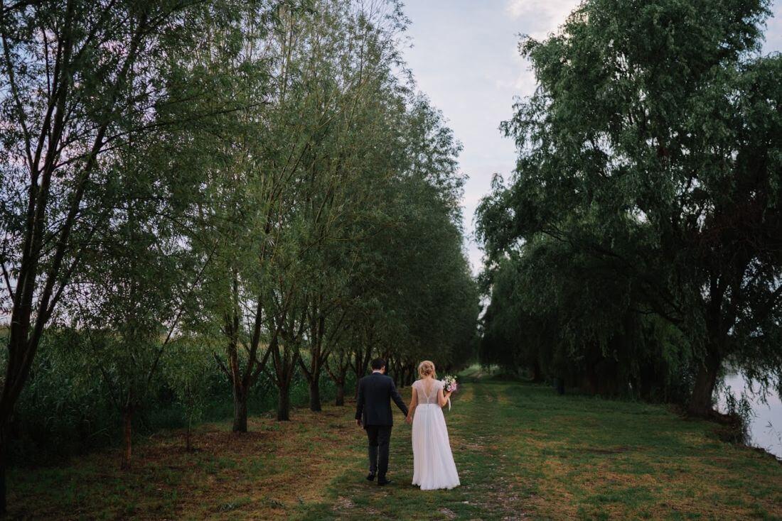 Nunta cu artificii, lavanda si muzica – Adelina si Ionut-IDO-Weddings-nuntiinaerliber (28)