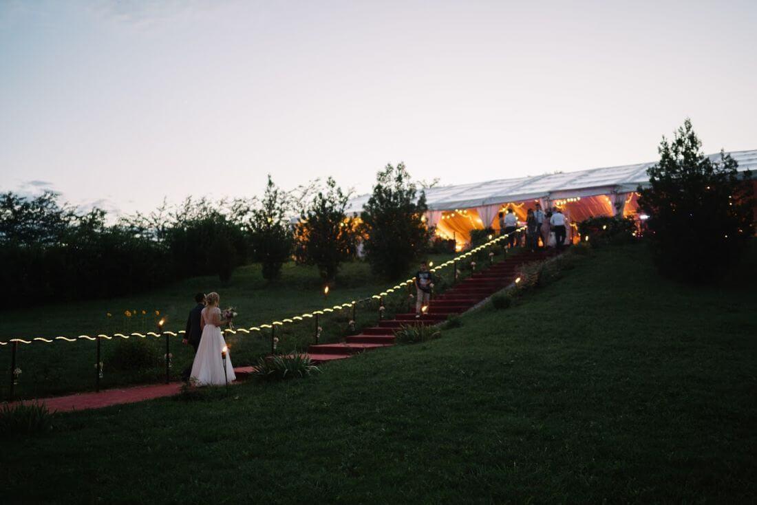 Nunta cu artificii, lavanda si muzica – Adelina si Ionut-IDO-Weddings-nuntiinaerliber (29)