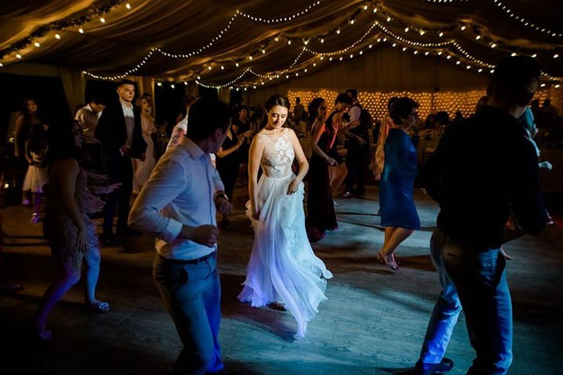 Nunta cu bumbac – Cristina si Sergiu – IDO-Weddings-nuntiinaerliber (1)