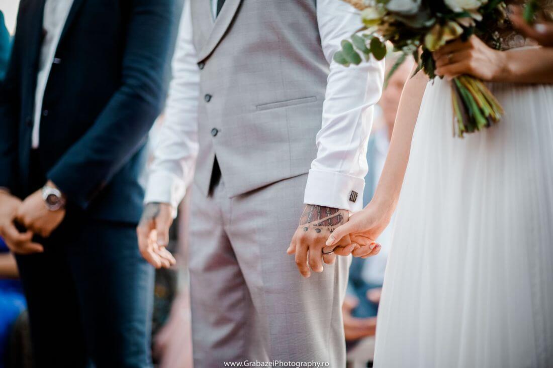 Nunta cu bumbac – Cristina si Sergiu – IDO-Weddings-nuntiinaerliber (26)