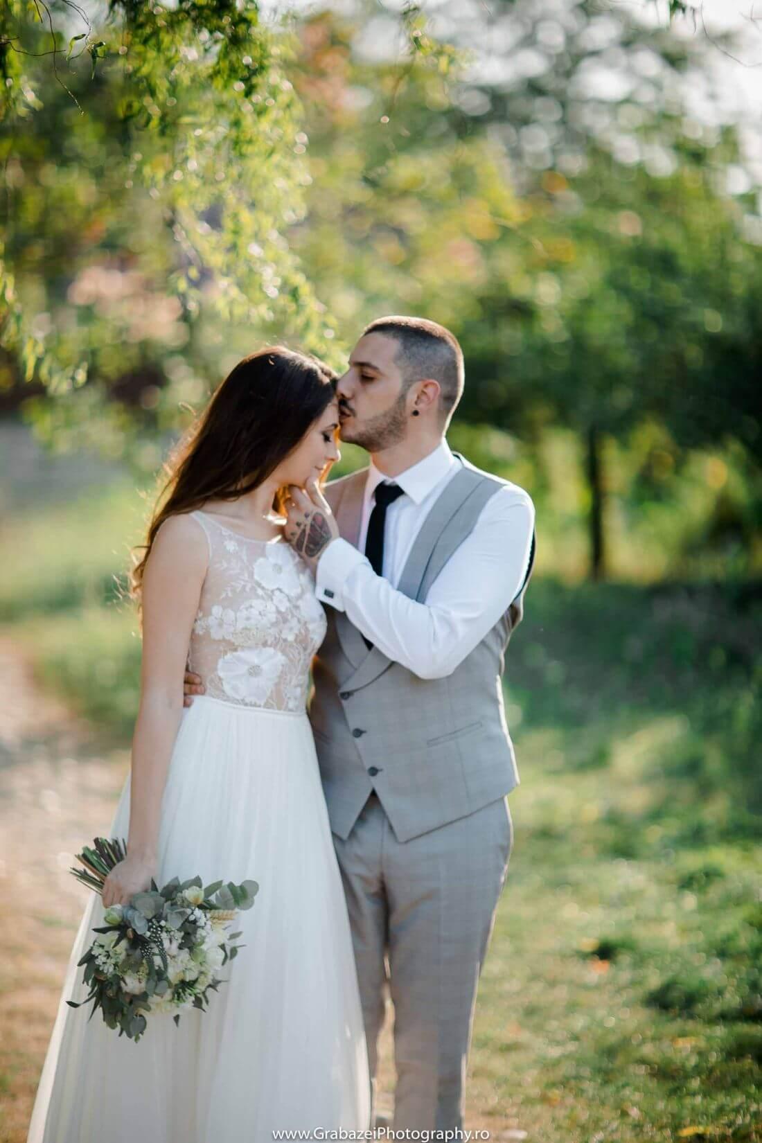 Nunta cu bumbac – Cristina si Sergiu – IDO-Weddings-nuntiinaerliber (9)