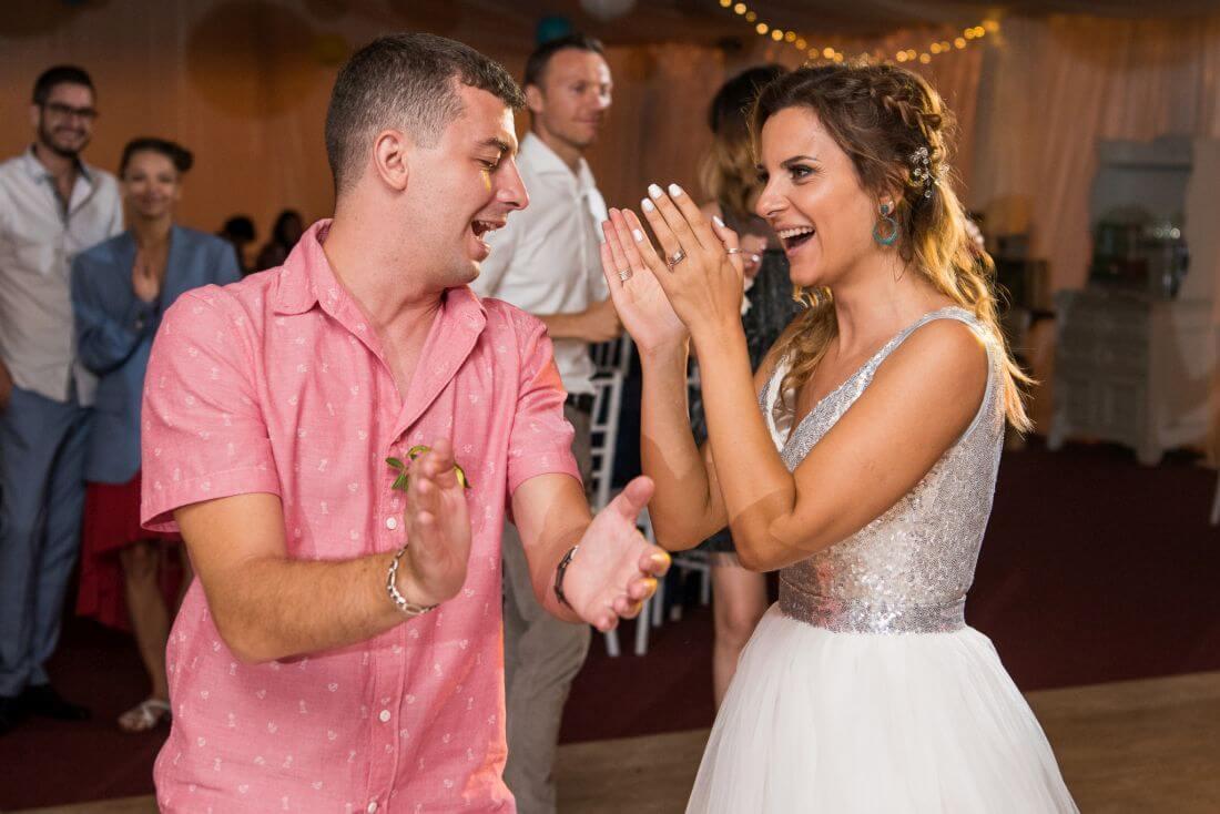 Nunta petrecere la mare, ca-n Vama – Teodora si Sebastian – IDO-Weddings-nuntiinaerliber (30)