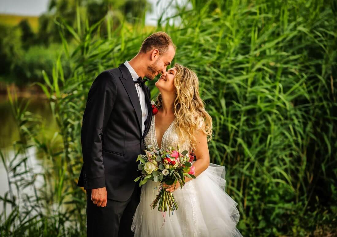 Nunta cu filme de dragoste - Alexandra si Leo_IDO-Weddings-nuntiinaerliber (18)